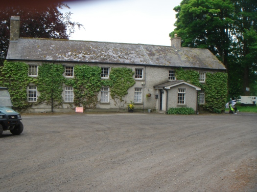 The lovely farmhouse in the centre of the production area.